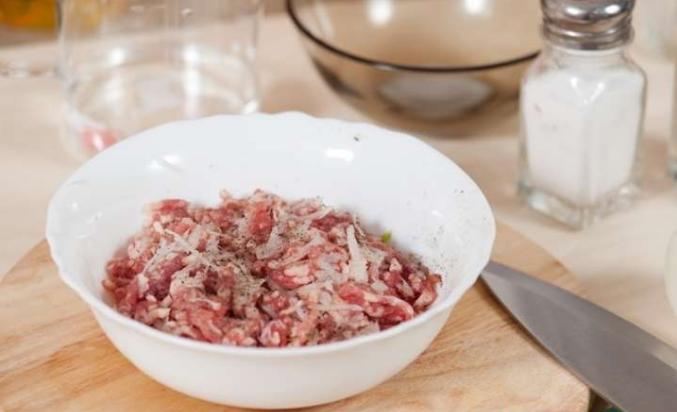 Вкусный фарш для пельменей из свинины рецепт пошагово