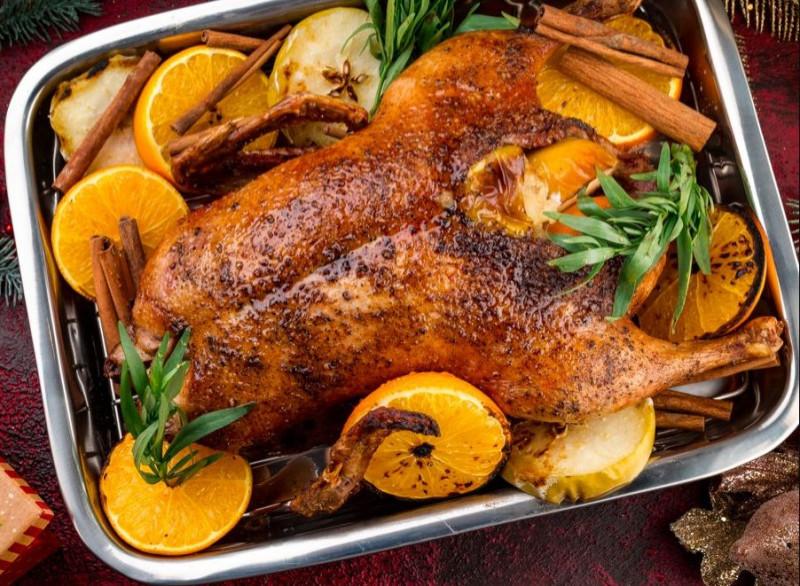 Утка в духовке — как приготовить мягкую и сочную утку в домашних условиях