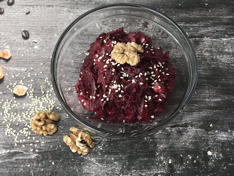 Салат из свежей (сырой) свеклы — очень вкусные рецепты