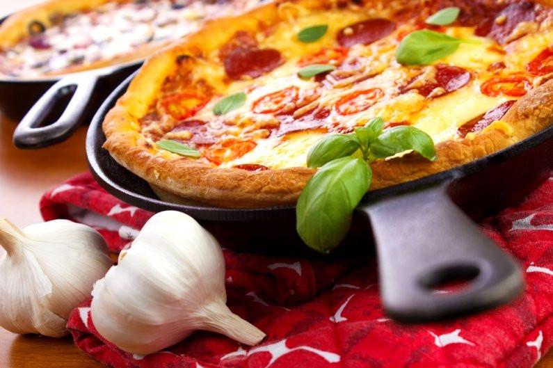Пицца на сковороде за 10 минут — пошаговые рецепты